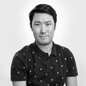 Randal Liu Headshot Grey